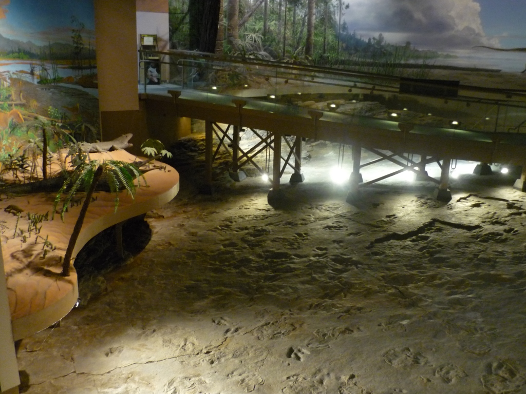 DSP - great view of tracks bridge diorama