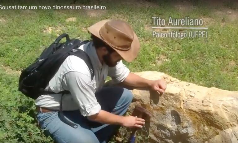 Tito Aureliano from Colecionadores de Ossos video